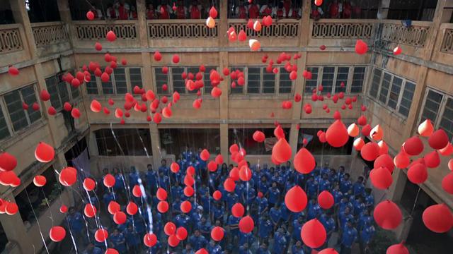 IPL - Paint Balloons